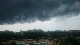 Day 1 at Varadero. I've never seen such a cool dark clouds over the sky.